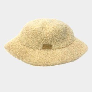 Stylish Ivory Sherpa Bucket Hat